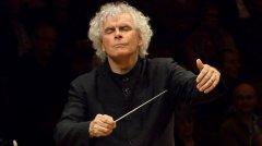 La Filharmònica de Berlín arriba a Barcelona en l'últim concert de la gira de comiat de Simon Rattle com a director titular
