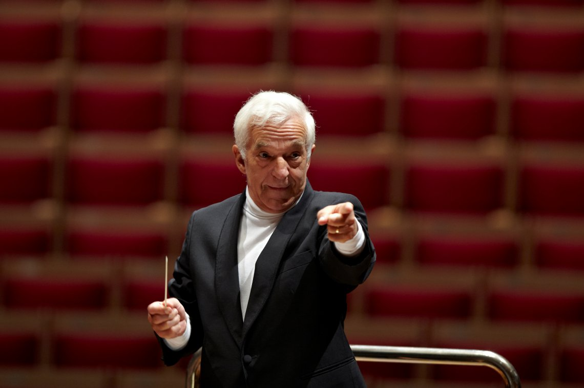 Vladimir Ashkenazy with Rachmaninoff and Beethoven